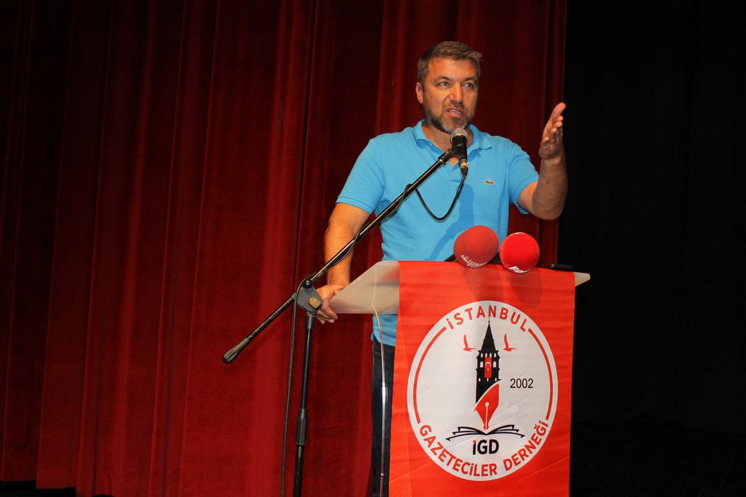 İstanbul Gazeteciler Derneği Basında Sansürün Kaldırılışı sebebiyle düzenlediği söyleşide ünlü gazeteci ve televizyoncu İsmail Küçükkaya'yı ağırladı. Söyleşiye ilgi  yoğun ooldu.