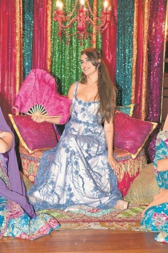 Ünlü model Ebru Şancı evliliğe bir adım daha yaklaştı