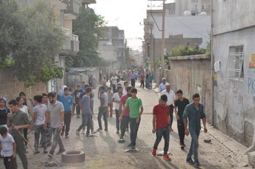 Cizre'de 9 gün süren sokağa çıkma yasağı ve iletişimin kopmasının ardından bu sabahtan itibaren ilçedeki durum ortaya çıkmaya başladı.