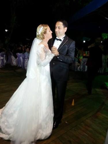 Haberdar Gazetesi Silivri Temsilcisi Fatma Sarıbıyık ve Silivri Kahve Diyarı İşletme Müdürü Servet Yıldırım ömür boyu bir yastığa baş koymaya imza attılar.