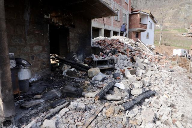 Büyükçekmece Belediyesi, Trabzon Araklı'da çıkan yangın sonrası mağdur olan vatandaşlara yardımlarda bulundu.