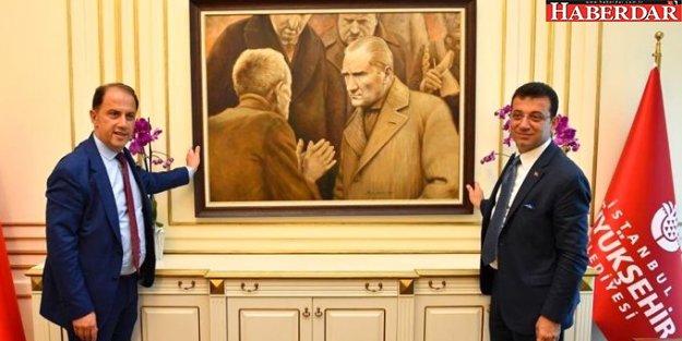 AK Partili Ahmet Hamdi Çamlı'nın İBB'deki Atatürk tablosuyla ilgili yorumu tartışma yarattı