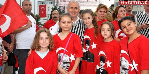 Akgün: 19 Mayıs 1919 Türk ulusunun yeniden doğuşudur