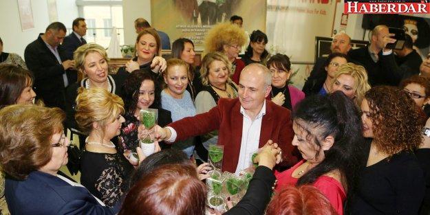 """Akgün: 'Kadını yok sayan toplumlar geri kalmaya mahkumdur"""""""