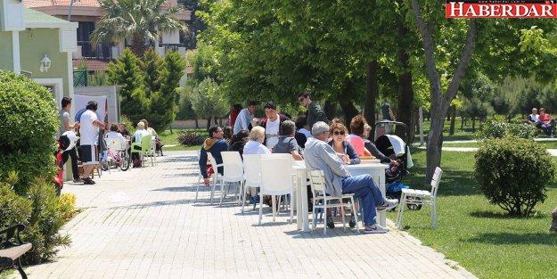 Akgün, Meclis toplantılarını parklara taşıdı