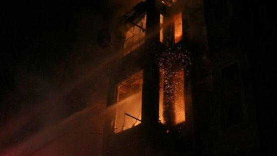 Alev alev yanan binada can pazarı