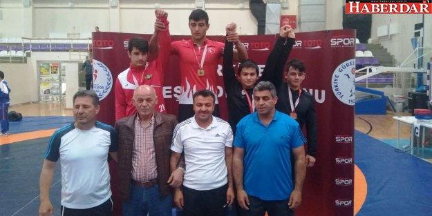Ali Tuğra Akkoç Türkiye 3.sü oldu