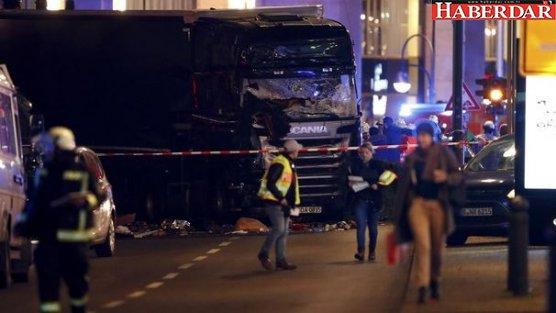 Almanya Berlin'de TIR Noel pazarına girdi: 12 ölü