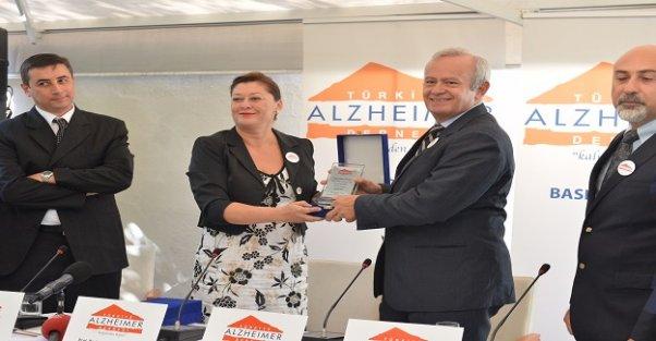 Alzheimer hastalarını unutmadılar