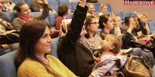 Annelere 'Bebek ve Uyku' semineri