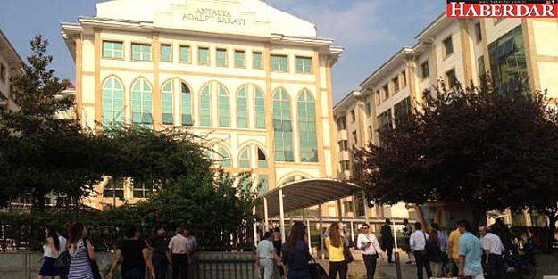 Antalya Adliyesi'nde canlı bomba paniği!