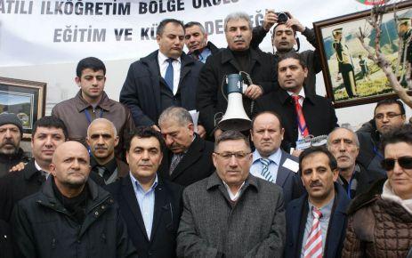 Ardahan'lılar Taksim'i Salladı