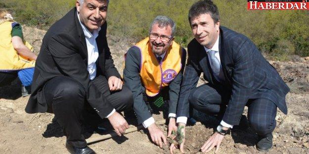 """'Atıklar Orman Olsun"""" kampanyası ile Çatalca'da 5 bin fidan toprakla buluştu"""