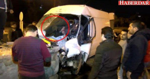 Avcılar'da Korkunç Kaza! Yaralı Sürücü, Camdan Dışarı Savruldu