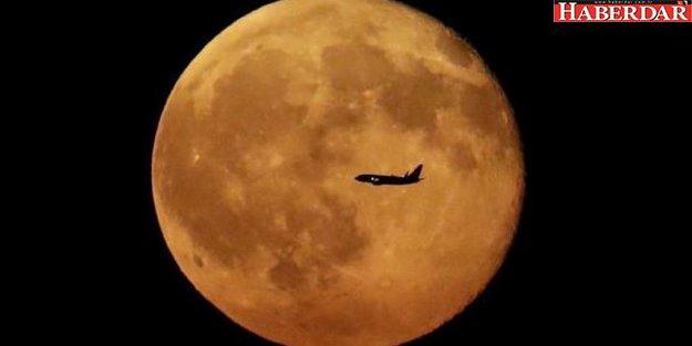Ay'a gidecek ilk turist 2018 sonunda Ay'a gönderilecek
