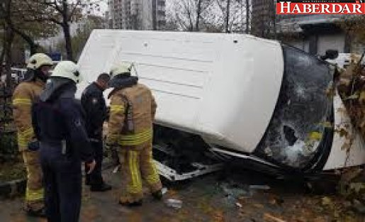 Bahçeşehir'de kaza: Yaralılar var!
