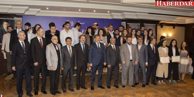 Bakan Çavuşoğlu: Basın, demokrasinin vazgeçilmez unsurudur