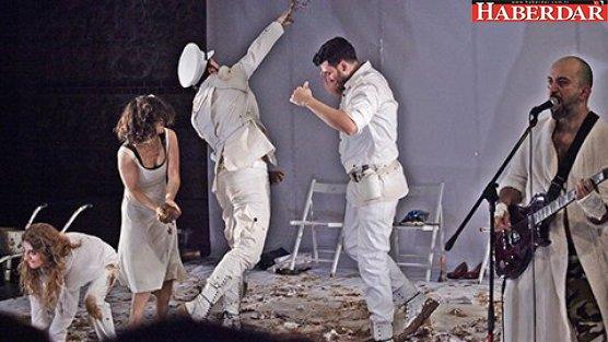 Bakırköy Belediye Tiyatrolarına dört ödül