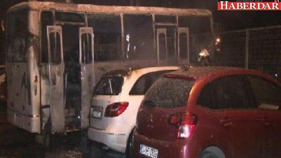 Bakırköy'de 3 araç kundaklandı