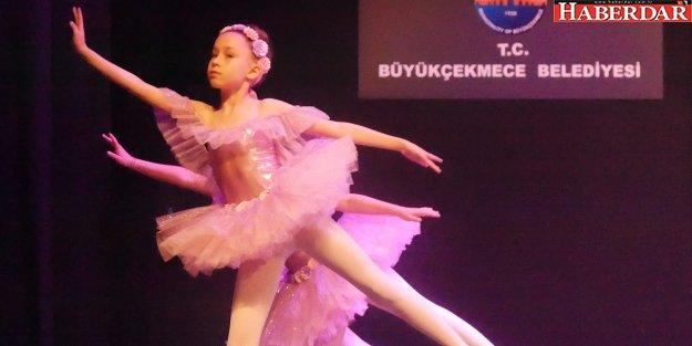 Bale ve Latin dansları gösterisi nefesleri kesti