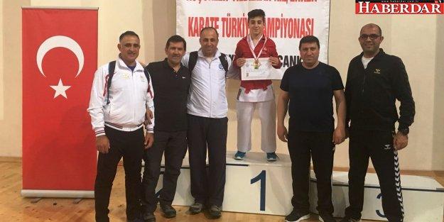 Balkan Şampiyonumuz Hasan Celal Yıldırım'dan bir şampiyonluk daha