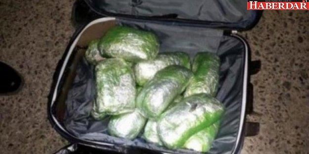 Başakşehir'de bir kargo şirketinde uyuşturucu ele geçirildi!