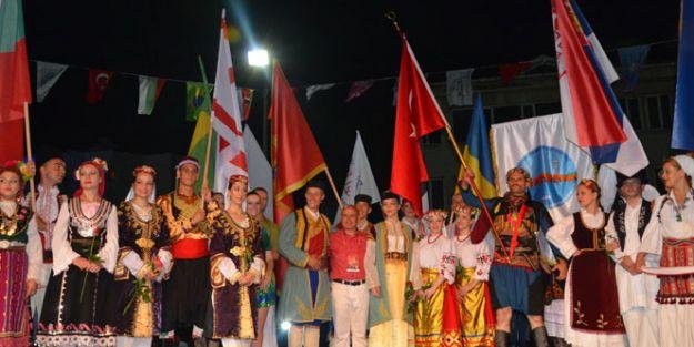 Başkan Akgün, FIDAF onursal başkanı seçildi