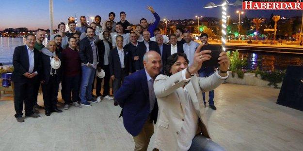 Başkan Akgün: Gönüllerin şampiyonusunuz!