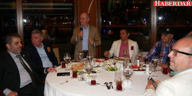 Başkan Akgün, iftarda basın mensuplarını ağırladı