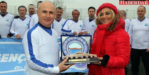 Başkan Akgün, Türkiye Veteranlar Ligi'nde forma giydi