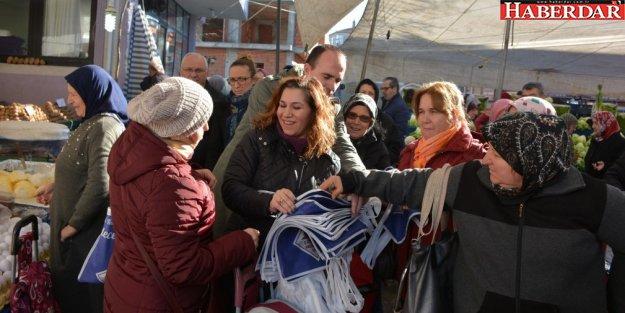 Başkan Cem Kara'dan Bez Çanta Hediyesi