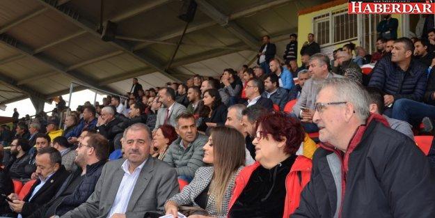 Başkan Kara H.K.İ. Çatalcaspor'u Yine Yalnız Bırakmadı