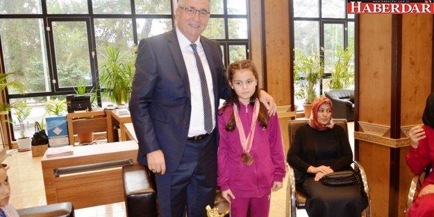 Başkan Kara'ya söz verdi Türkiye Şampiyonu oldu