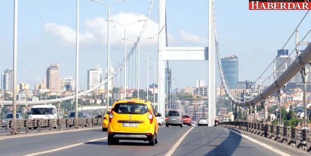 Bayram Öncesi İstanbul#039;da Trafik Neredeyse Sıfıra İndi