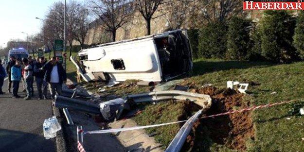 Bayrampaşa'da Servis Midibüsü Devrildi! 8 İşçi Yaralandı