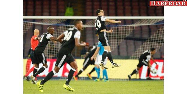 Beşiktaş İtalyan ekibi Napoli'yi 3-2 yendi