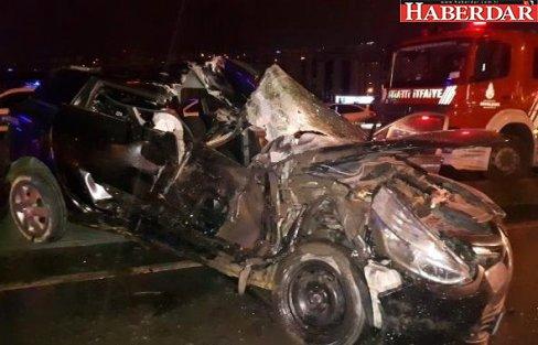 Beylikdüzü'nde Trafik Kazası: 1'i Ağır, 3 Yaralı