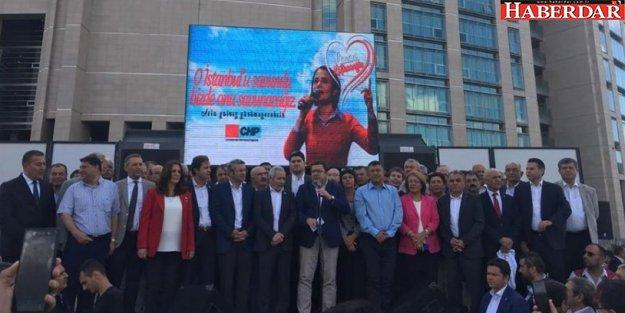 Binler Kaftancıoğlu'na destek için Çağlayan'da buluştu