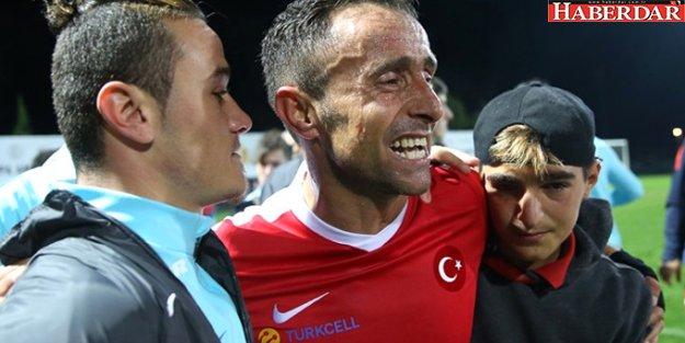 Bir Bacağını Vatan İçin Kaybeden Osman Çakmak, Diğer Bacağıyla Türkiye'yi Şampiyon Yaptı