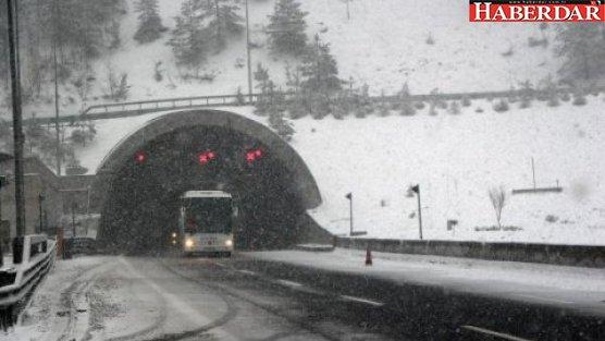 Bolu Dağı'nda ulaşıma kar engeli!
