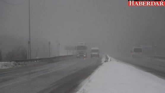 Bolu Dağı'nda ulaşıma kar ve sis engeli