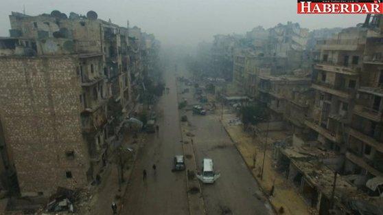 Bütün gözler Halep'te! Tahliyeler başladı, ilk konvoy yola çıktı