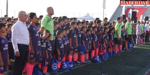Büyükçekmece Belediyesi Yaz Spor Okulu açılış töreni şölene dönüştü