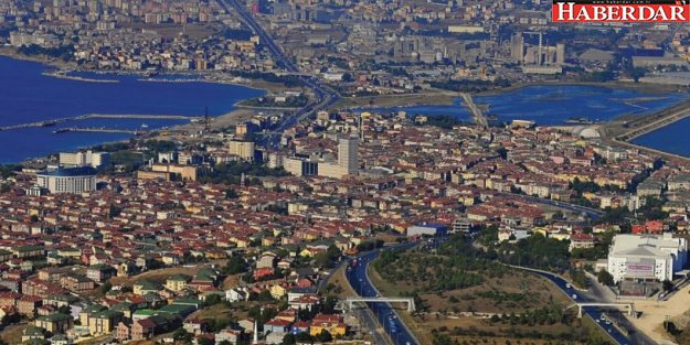Büyükçekmece'deki AKP seçmeni parti üyeliklerini bırakmış