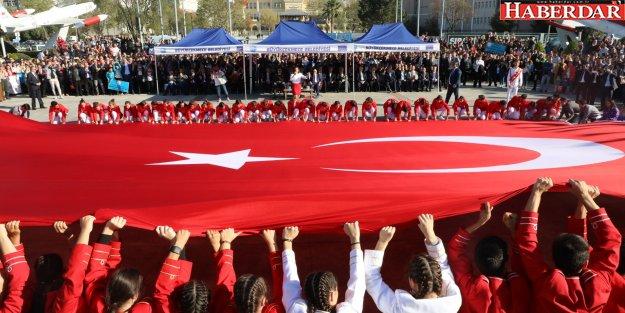 Büyükçekmece'de Cumhuriyet Bayramı coşku ve heyecan içinde kutlandı