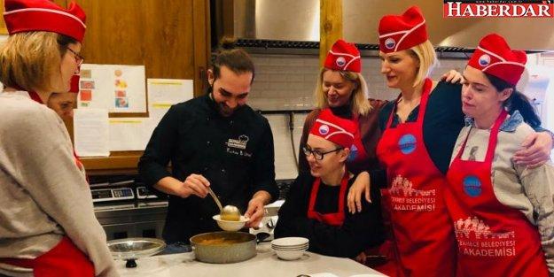Büyükçekmece'de ikamet eden yabancı uyruklular Türk mutfağını öğreniyor