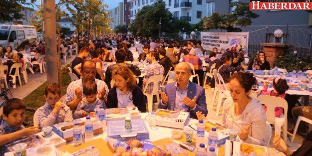Çakmaklı mahallesi iftar sofrasında buluştu