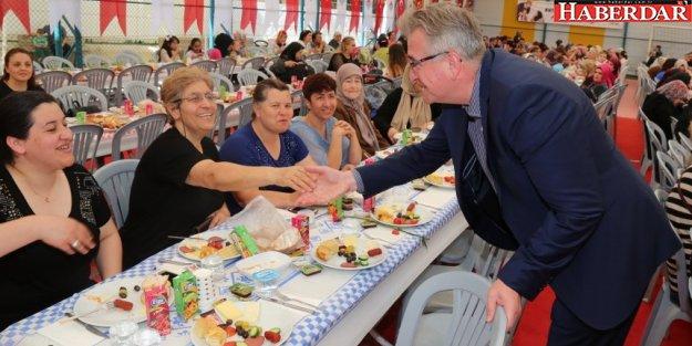 Çatalca, Anneler Günü'nü coşkuyla kutladı