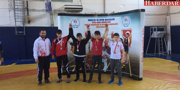 Çatalca Belediyesi Güreş Takımı Milli Takım yolunda