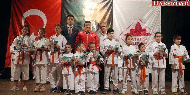Çatalca Belediyesi Karate Takımında Kuşak Töreni